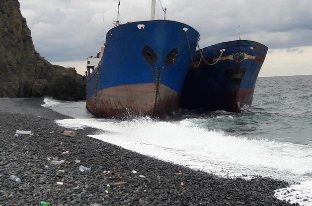 Yalova'ya 2 gemi karaya oturdu