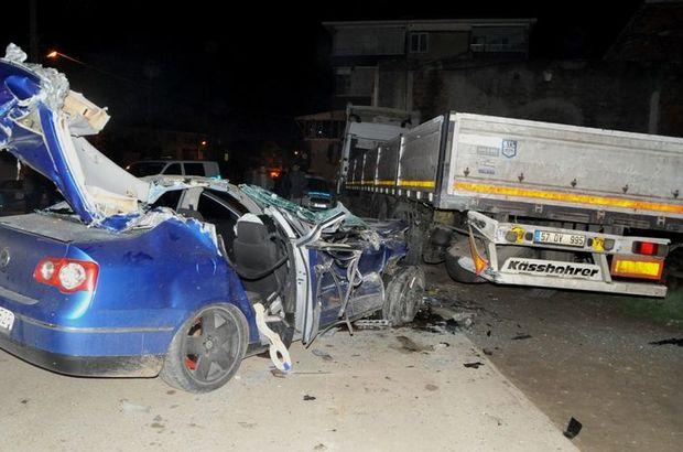 Otomobil park halindeki TIR'a çarptı: 2 kişi yaralandı