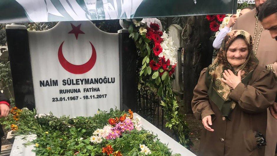 Naim Süleymanoğlu, mezarı başında anıldı