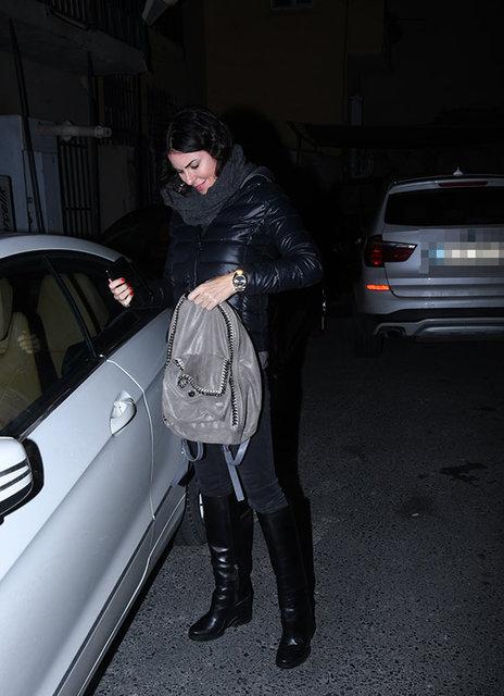 Cem Yılmaz'ın sevgilisi Defne Samyeli konuşmama kararı aldı - Magazin haberleri