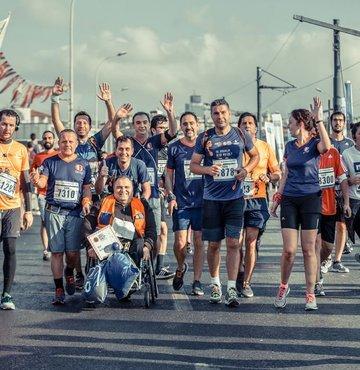 Maraton'da koşan ODTÜ'lülerin burs kampanyası devam ediyor