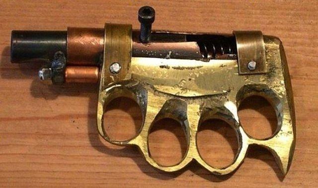 Hapishanelerde mahkumlar tarafından yapılmış ilginç silahlar...