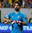 Fenerbahçe'de kadro dışı bırakılan isimler arasında takıma geri dönme şansı bulunan tek isim Volkan Demirel. Kadro dışı bırakılan Aatif ve Dirar'ın takıma geri dönüş şansı ise tamamen ortadan kalktı