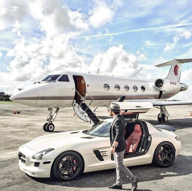 Instagram zengini görünmek için jet kiralıyorlar 74