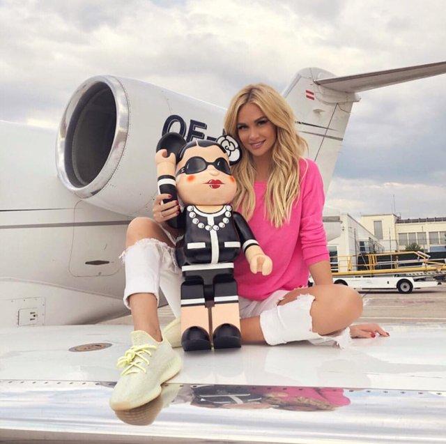 Instagram zengini görünmek için jet kiralıyorlar 15