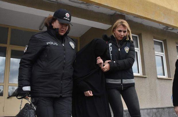 Atatürk Anıtı'na baltayla saldıran kadın, tedaviye alındı