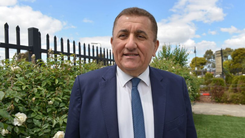 Avustralya'da Türk kökenli bakan görevini bıraktı