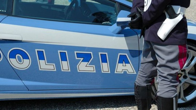 Son dakika: İtalya'da bir kişi 20 kişiyi rehin aldı!
