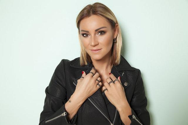 Pınar Altuğ korku dolu anları anlattı: Bir adam kızımın yanına gelip... - Magazin Haberleri