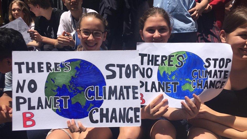 Avustralyada binlerce öğrenci iklim değişikliği eylemi için okulu kırdı 66