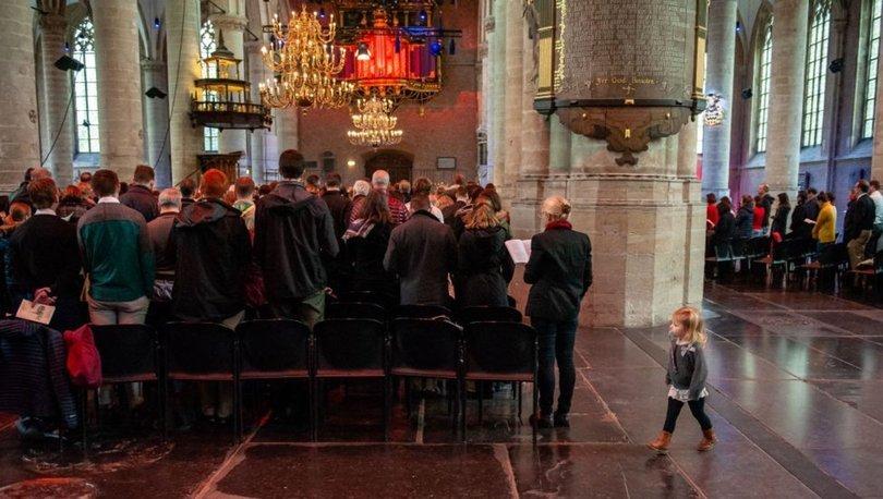 Hollanda'da kiliseye sığınan ailenin sınır dışı edilmesini engellemek için 800 saattir ayin yapılıyo