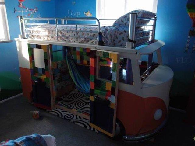 Kızı için Volkswagen yatak yaptı