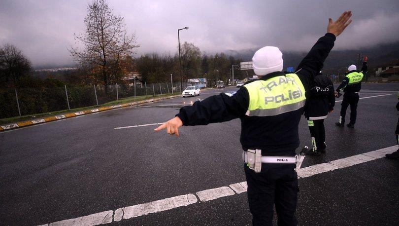 trafik polisi çevirmesi
