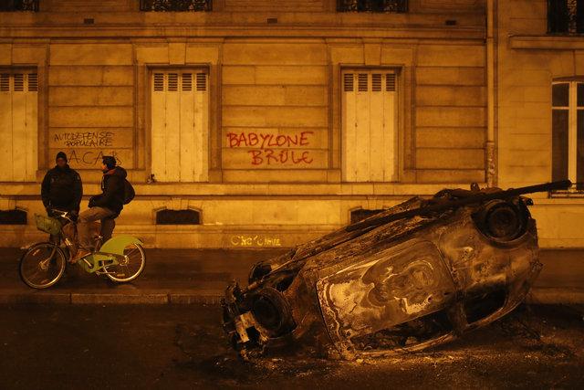 Paris alev alev! Macron'dan ilk hamle