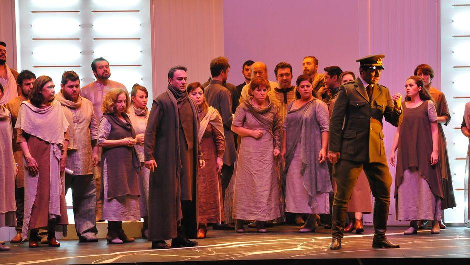 Ahmet Ümit'in Ninatta'nın Bileziği opera sahnesinde!