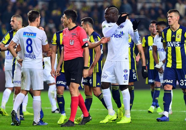 Hakem yorumcularından Fenerbahçe - Kasımpaşa maçı değerlendirmesi