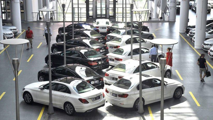 Otomobil pazarı yüzde 33.8 daraldı
