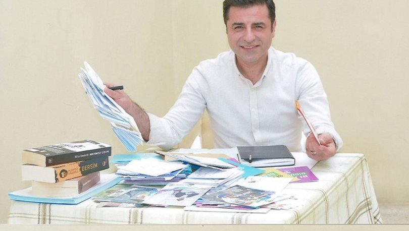 Son dakika: Selahattin Demirtaş'a 4 yıl 8 ay hapis cezası!