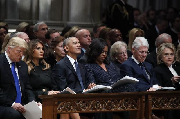 'Baba Bush'un cenazesinde tokalaşma gerilimi