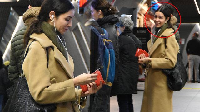 Cem Yılmaz'ın eski eşi Ahu Yağtu soluğu metroda aldı - Magazin haberleri