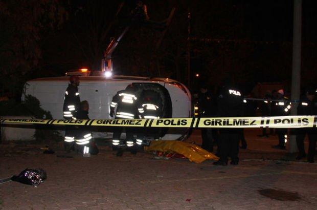 otomobil polis aracına çarptı