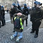 FRANSA'DA MÜDAHALE BAŞLADI: 700 KİŞİ GÖZALTINA ALINDI!