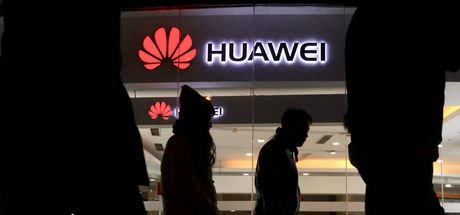 Huawei'ye bir darbe de Japonya'dan