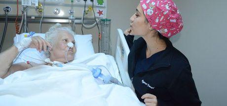 82 yaşındaki Ümit teyzeye hayat öpücüğü