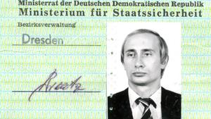 Putin'in Stasi kimliği Almanya'da bulundu