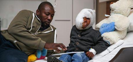 Fuad Mehdi, yüzünün yarısını kaplayan tümörden Türkiye'de kurtulacak