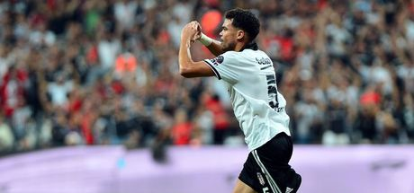 Beşiktaş'ta yıldız isimle yollar ayrıldı