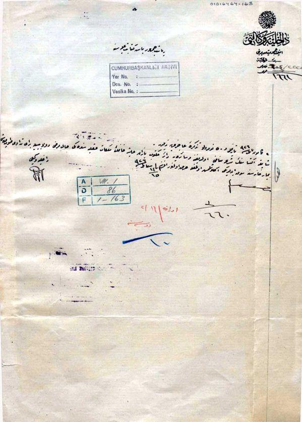İçişleri Bakanı Cemil Bey, Ayşe Hanım'ın tımarhaneye kapatılması konusunda Çankaya'yı bilgilendiiyor (Cumhurbaşkanlığı Arşivi, 1016464-163).