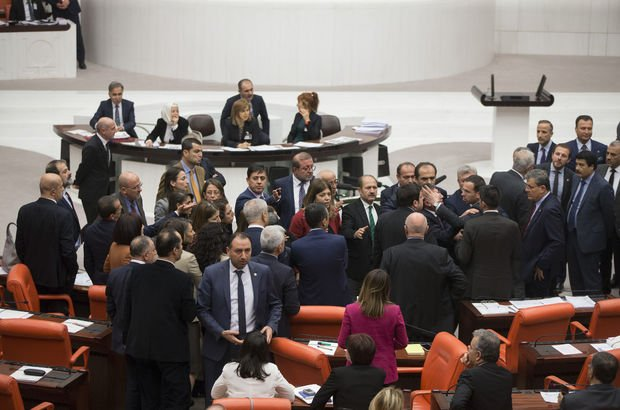 Meclis'te 'Şunlara bakın' tartışması!