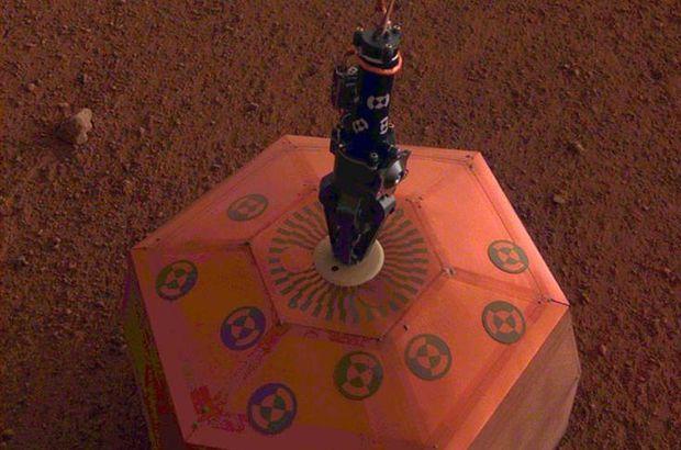 NASA açıkladı: InSight, Mars yüzeyine indirdi