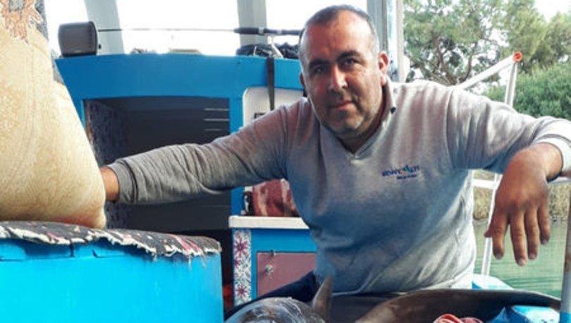 Yakaladıkları 2.5 metrelik köpek balığını bıraktı!