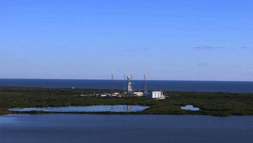 SpaceX uzaya ilk askeri uydusunu gönderdi