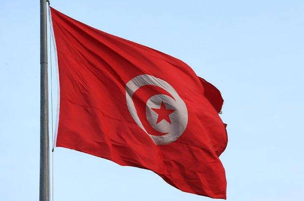 Tunuslu gazeteci kendini yaktı, çatışma çıktı!