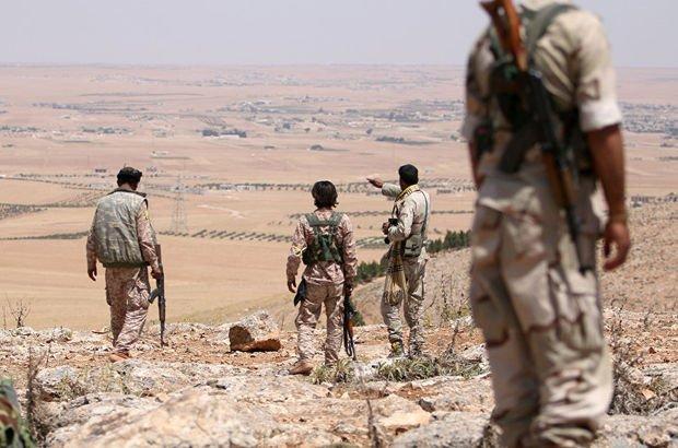 """İngiltere'nin eski Suriye Büyükelçisi Peter Ford: """"PYD/PKK Münbiç'ten çıkarsa Suriye'nin kuzeyinde çatışma bitebilir!"""""""