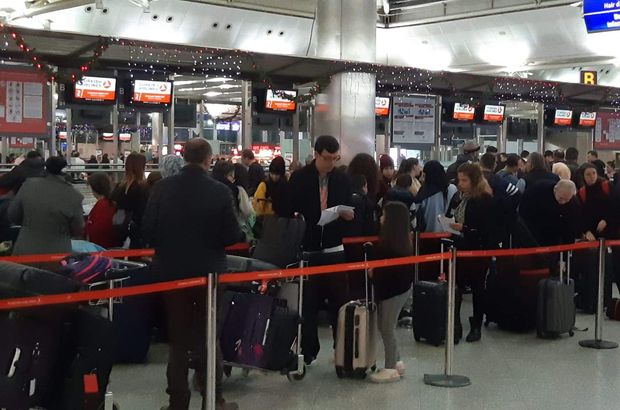 Atatürk Havalimanı yolcu