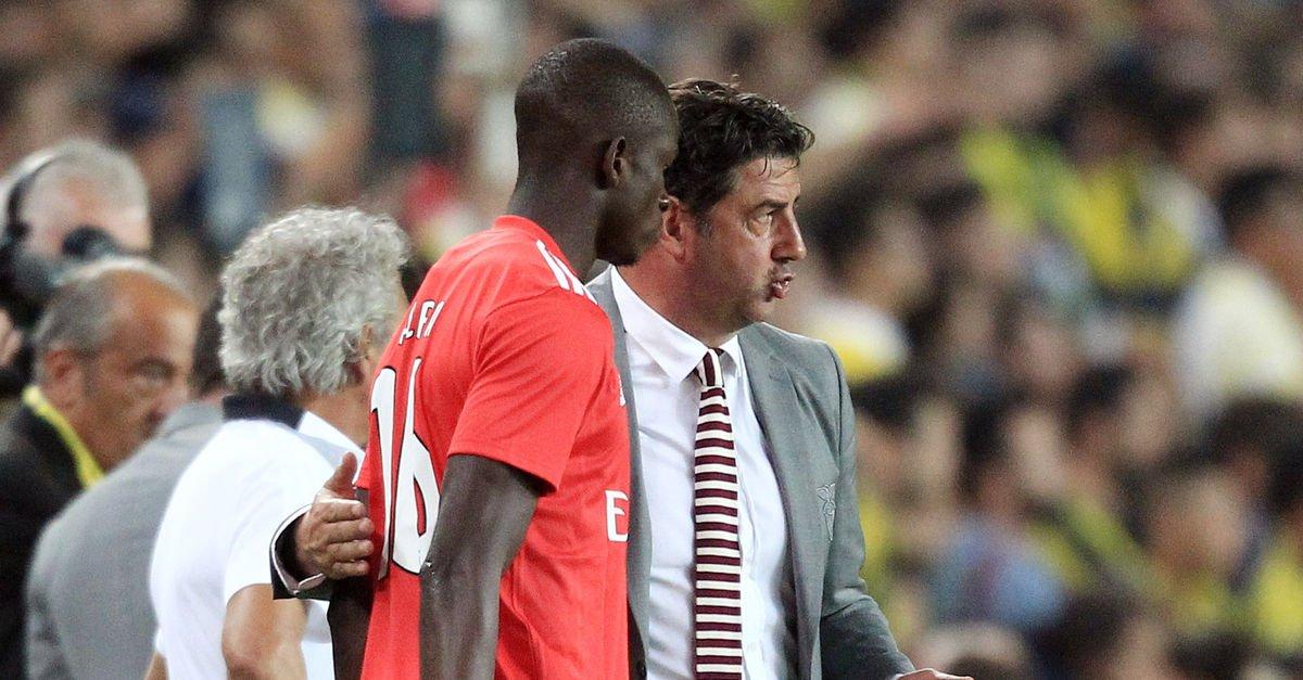 Benficada Rui Vitoria ile yollar ayrıldı 38
