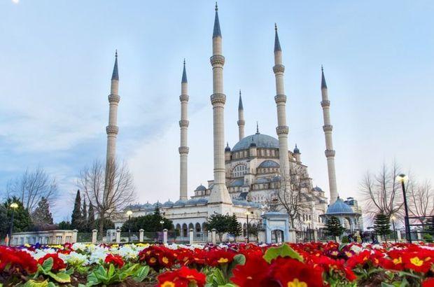 Adana Cuma saati