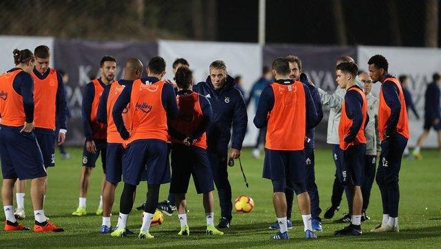 Fenerbahçe'den son dakika transfer haberleri! Peterson, Kasami, Aatif, Skrtel...