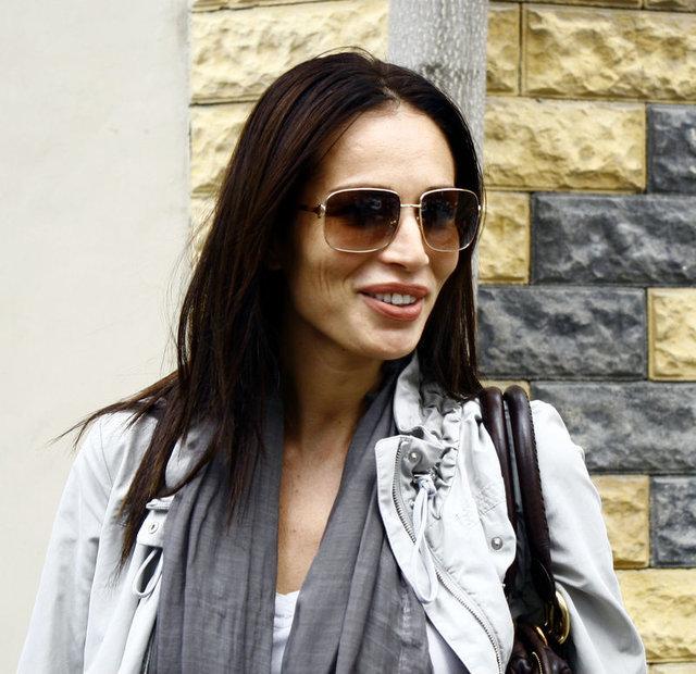Ünlü manken Güzide Duran gelen teklifleri düşünüyor - Magazin haberleri