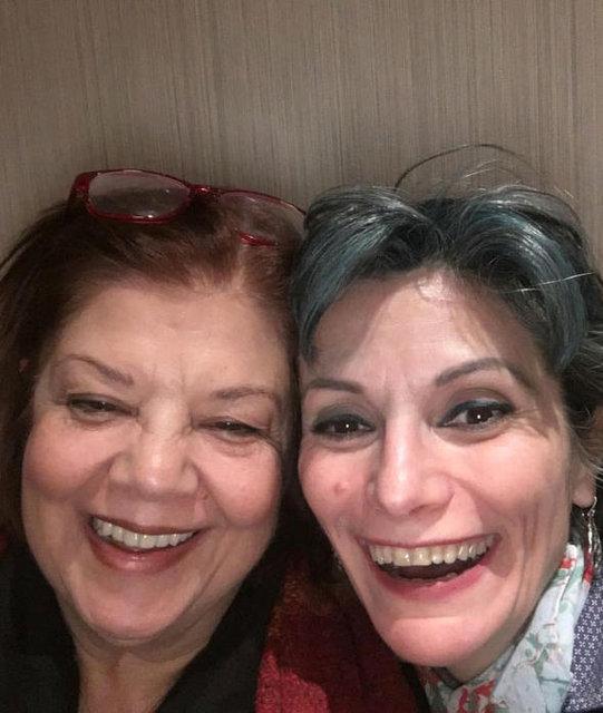 Bizimkiler oyuncuları Ayşe Kökçü ile Bensu Orhunöz bir arada - Magazin haberleri