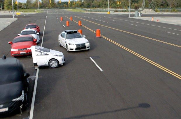 Sürücüsüz otomobil kazalarını 'Gardiyan' ile engelleyecek