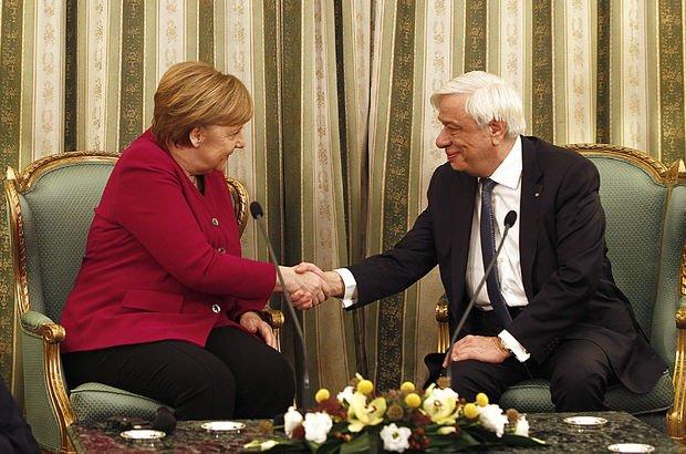 Yunanistan Cumhurbaşkanı'ndan Merkel'e 'tazminat' hatırlatması