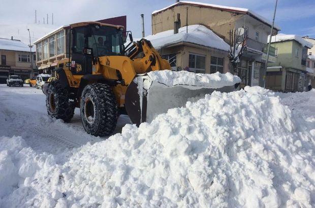 Her gün 70 kamyon kar taşınıyor