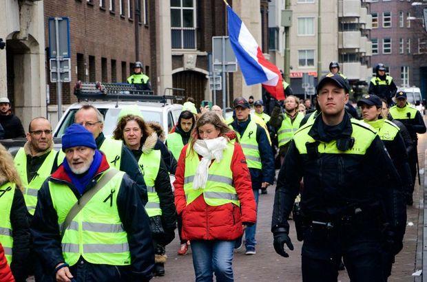 Hollanda kırmızı yelekliler protesto