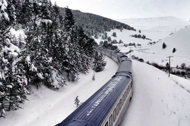 Karla bütünleşen Doğu Ekspresi büyülüyor