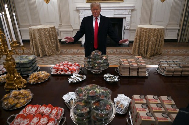 Beyaz Saray'da mecburi 'fast-food ziyafeti'